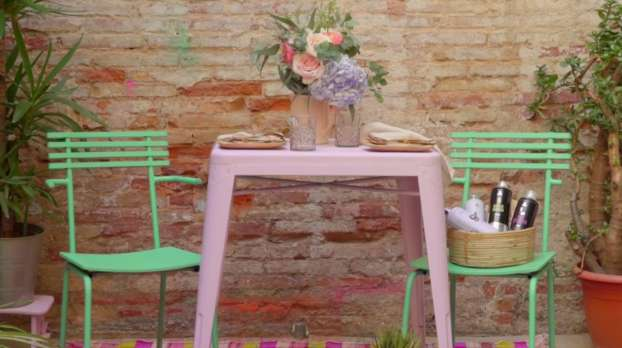 How to transform a garden table and chairs